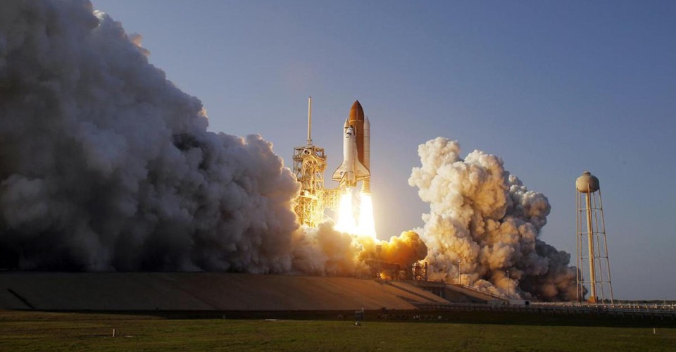 space shuttle discovery liftoff - photo #27