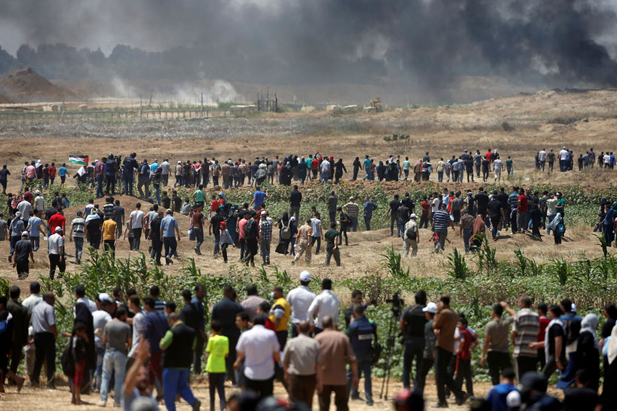 In Photos: Chaos and Bloodshed in Gaza - The Atlantic
