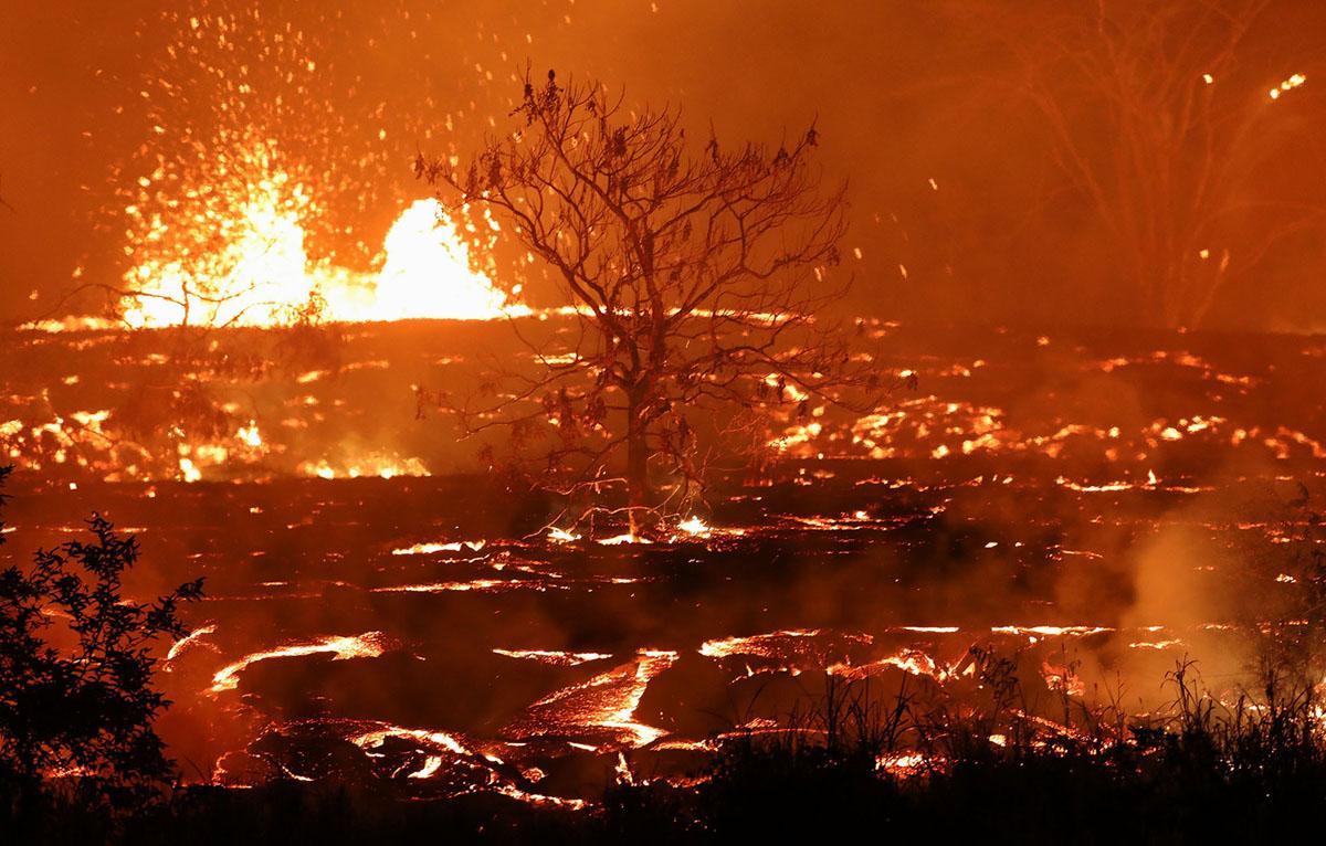 Photo Updates From Kilauea: The Lava Meets the Sea (30 photos)