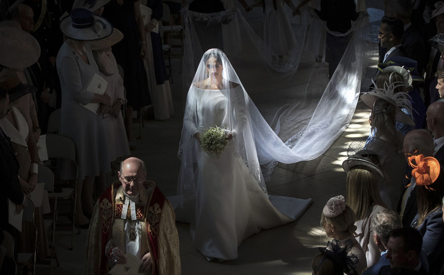 Photos of the Week: Jedi Academy, Small Moon, Royal Wedding