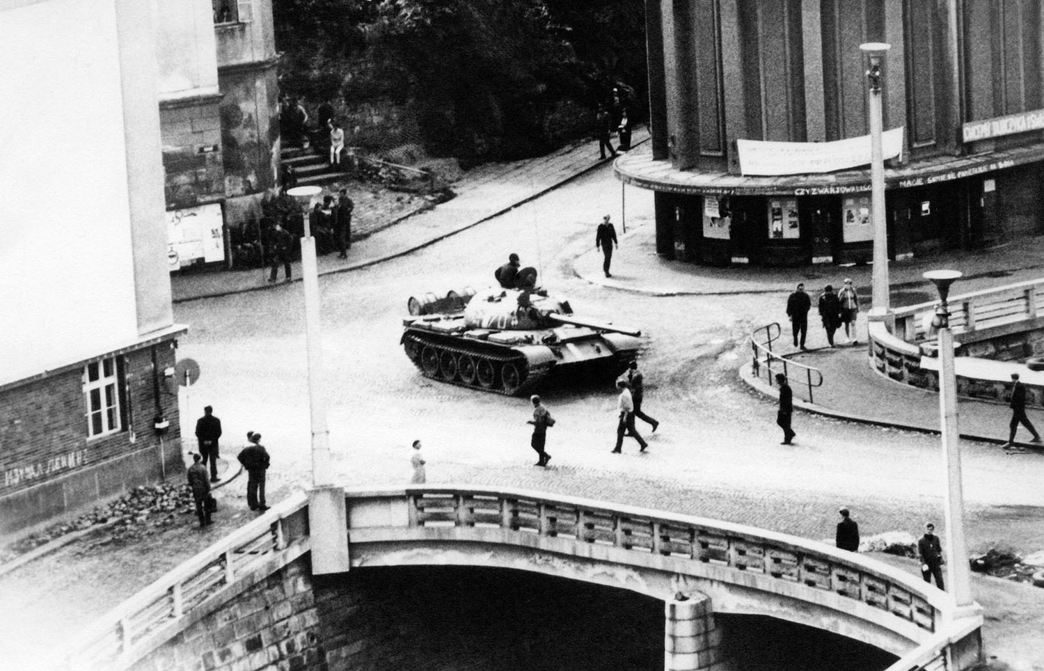 Prague Spring: two thousand tanks against two thousand words 76