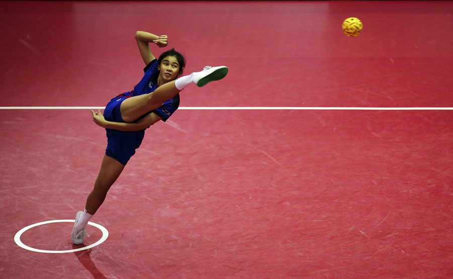 Thailand s Nipaporn Salupphon in action during a sepak takraw semifinal game  at the ISTAF SuperSeries finals at the Nakhon Pathom Municipal Gymnasium in  ... 49276192a