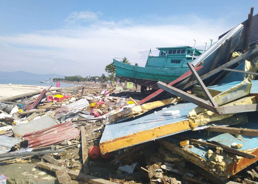 Photos From the Deadly Earthquake and Tsunami in Indonesia - The