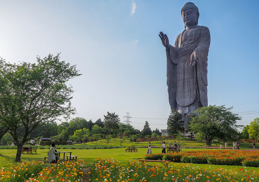 Photos: The 15 Tallest Statues in the World - The Atlantic