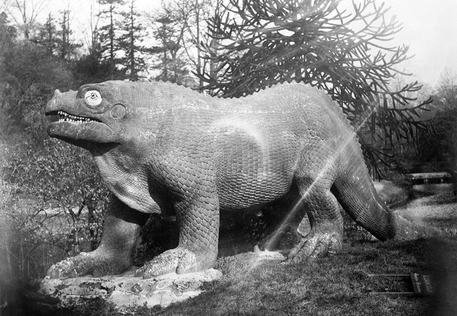 Photos: Terrible Lizards—Dinosaur Statues of Questionable