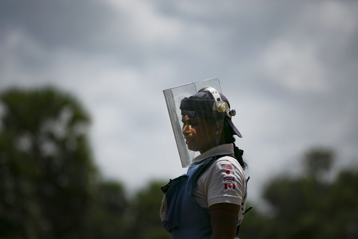 The Women Who Are Clearing the Minefields in Sri Lanka (21 photos)