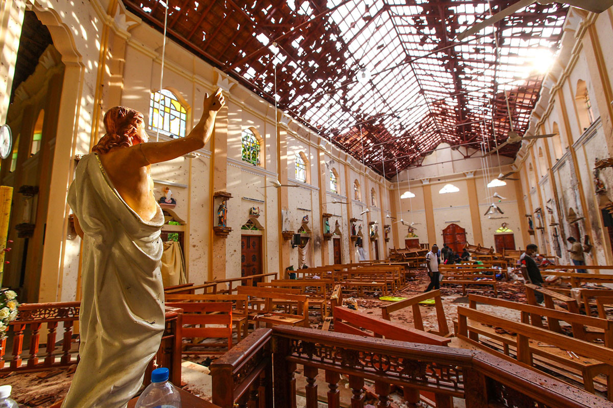Photos: Mourning and Anguish After the Devastating Attacks in Sri Lanka (21 photos)