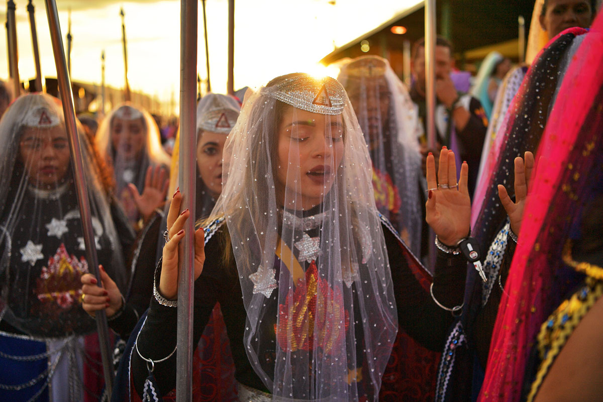 Photos: The Worshipers of the Valley of the Dawn (18 photos)