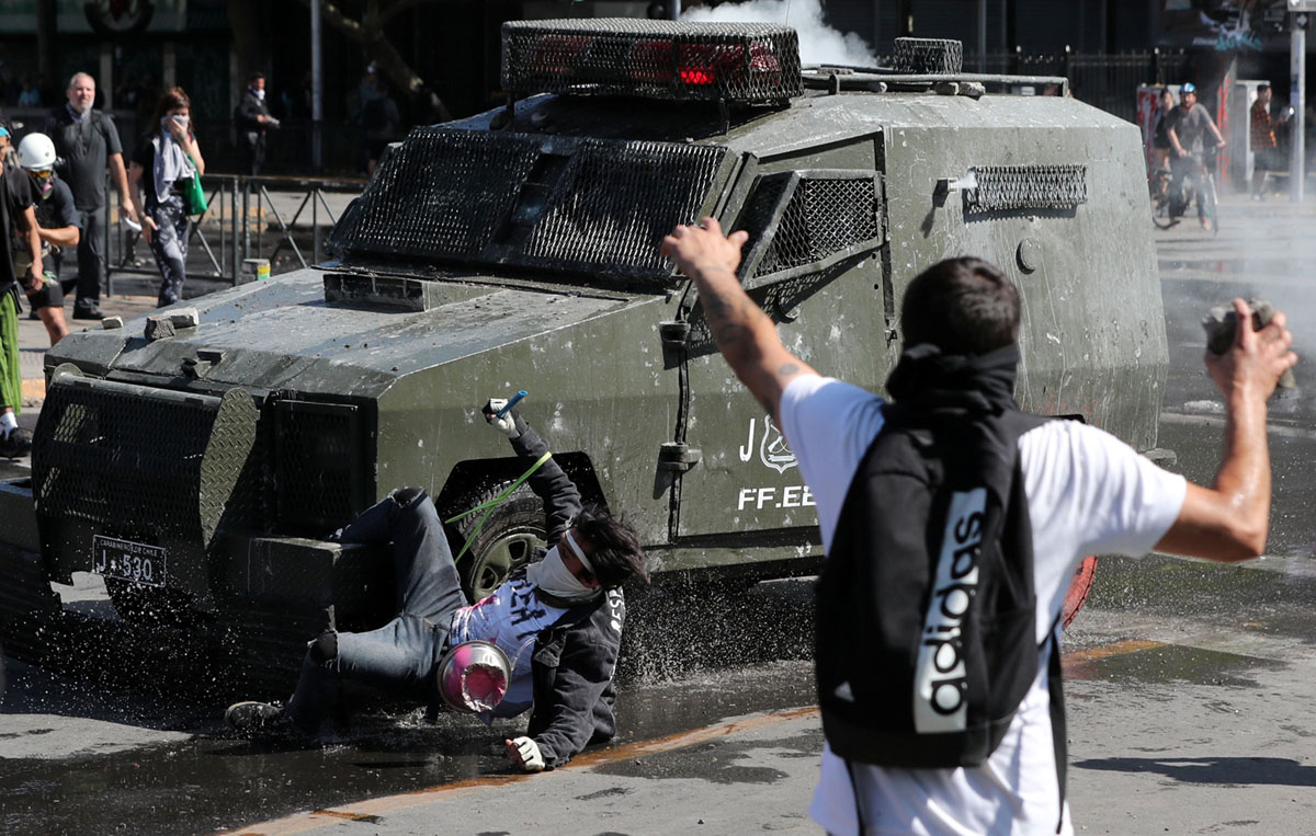 Protests Erupt Across Chile (28 photos)
