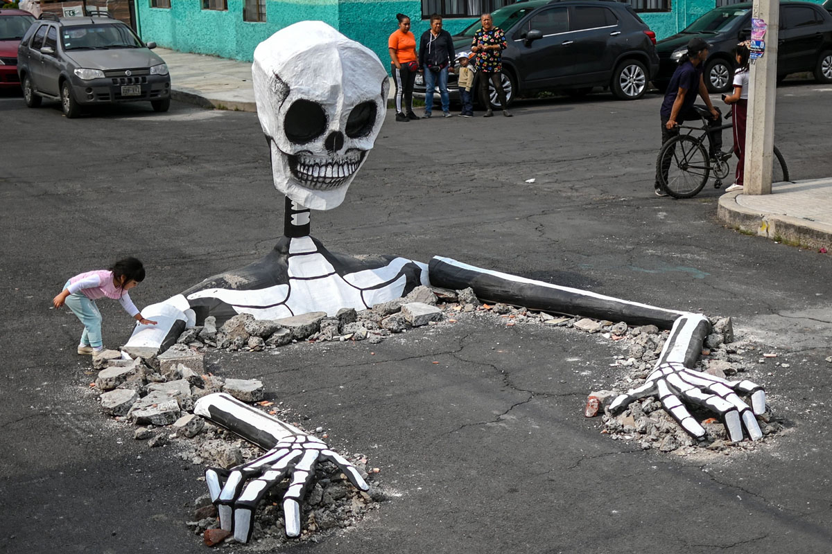 Preparing for the Day of the Dead (20 photos)
