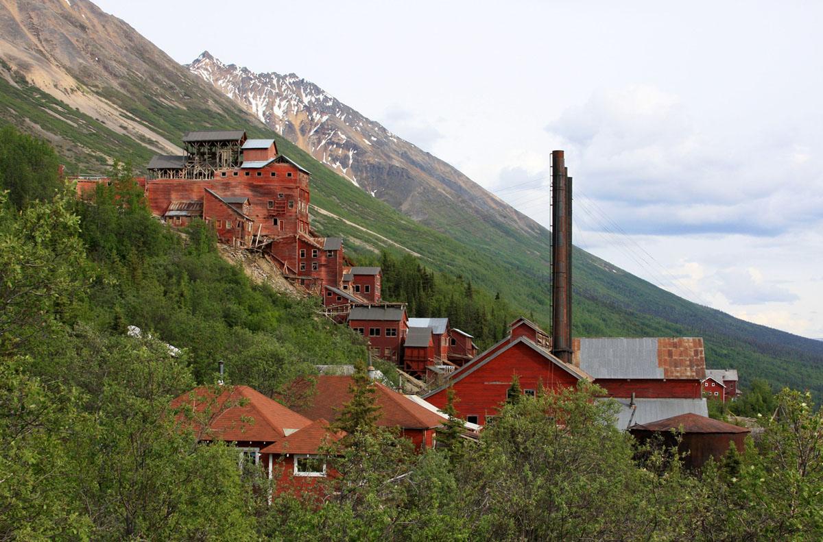 Kennecott Mines: An Alaskan Ghost Town (16 photos)