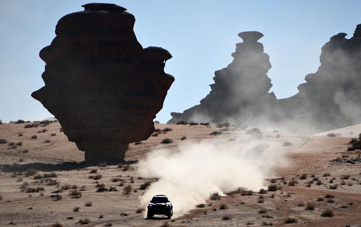 Photos From the 2020 Dakar Rally (28 photos)