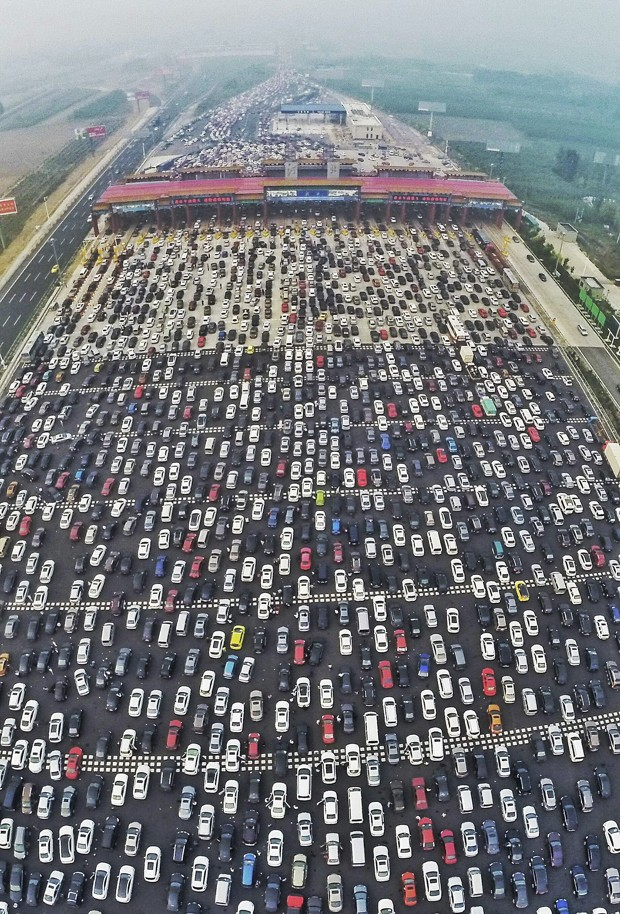 China S 50 Lane Traffic Jam Is Every Commuter S Worst
