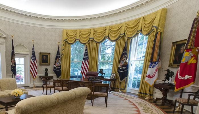 Swell Spot The Change In President Trumps Oval Office The Atlantic Short Links Chair Design For Home Short Linksinfo