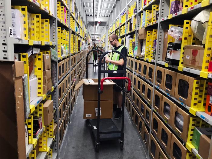 When Amazon Opens Warehouses - The Atlantic