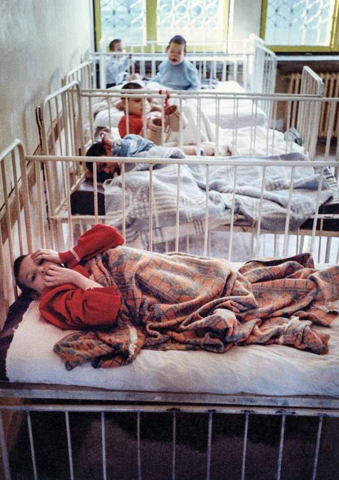 Children at the Home Hospital for Irrecoverable Children in Sighetu Marmaţiei, Romania, in September 1992