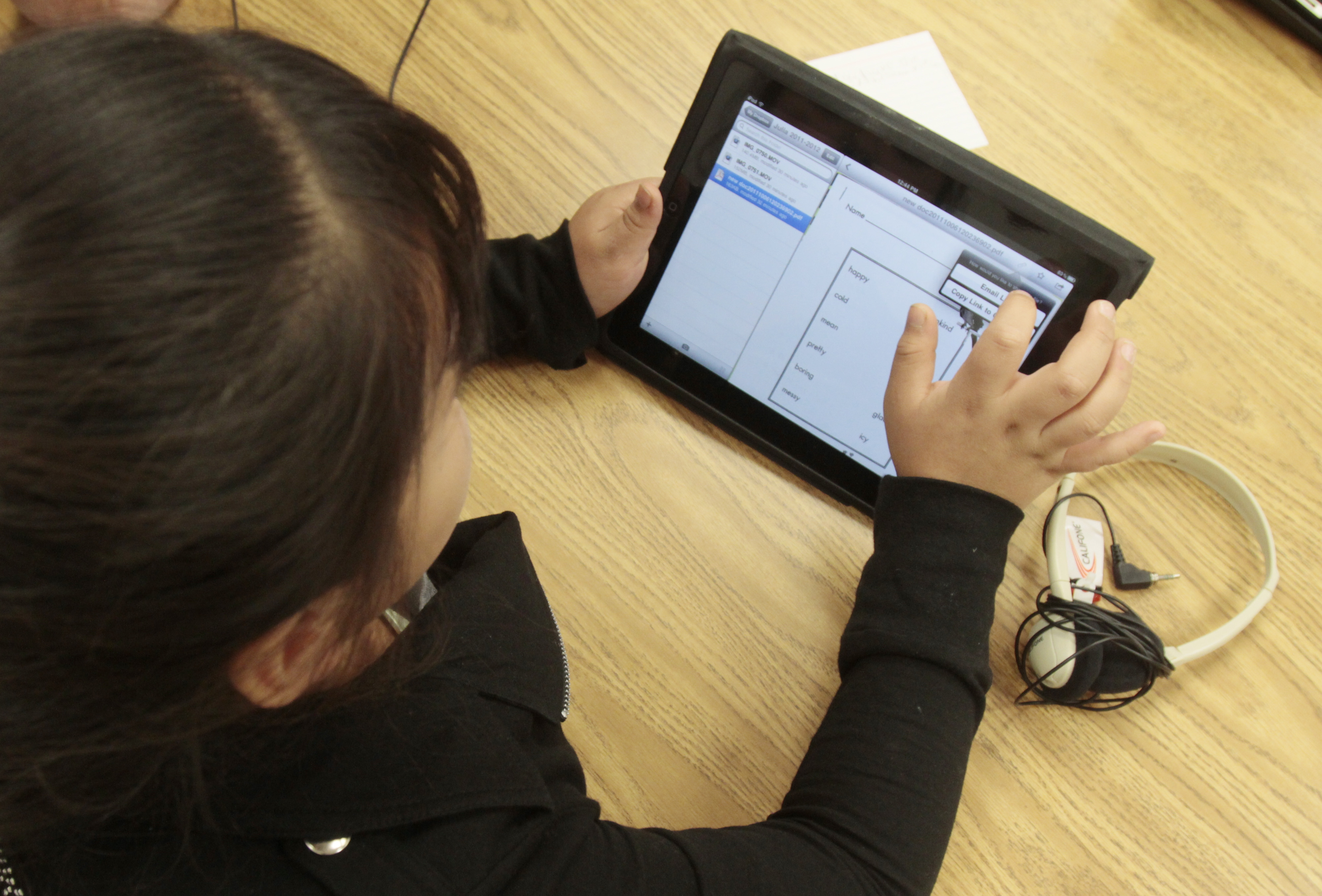 Kids Learning Tablet >> Students Are 'Hacking' Their School-Issued iPads: Good for Them - The Atlantic