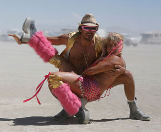 The Best Craigslist 'Missed Connections' from Burning Man