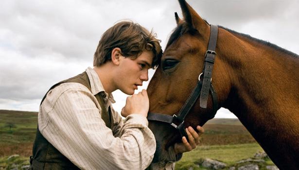 war-horse-movie-image-jeremy-irvine-body.jpg