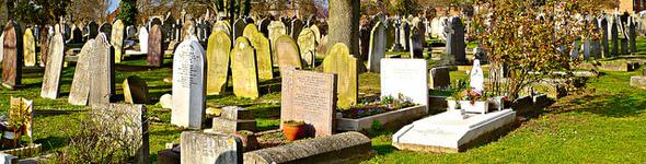 590 cemetery Wolfiewolf flickr.jpg
