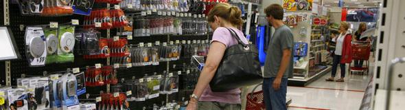 590 shoppers REUTERS Kevin Lamarque.jpg