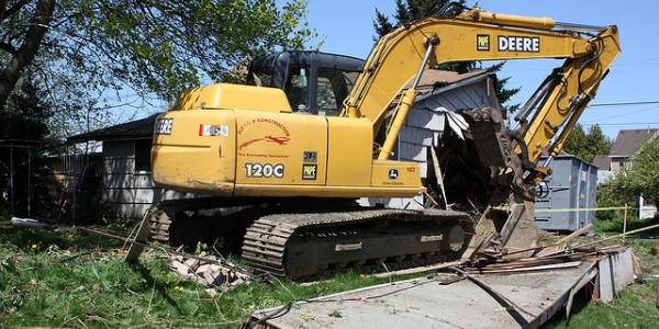 600 bulldozer house piddix flickr.jpg