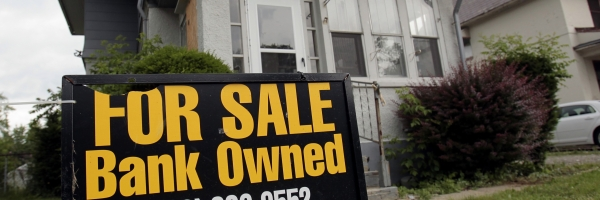 600 foreclosure REUTERS Rebecca Cook.jpg