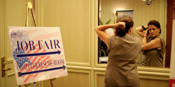 600 job fair mirror REUTERS Lucy Nicholson.jpg