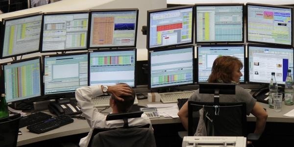 600 traders computers REUTERS Pawel Kopczynski.jpg