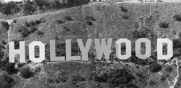 615_Aerial_Hollywood_Sign_BW_Wikipedia.jpg