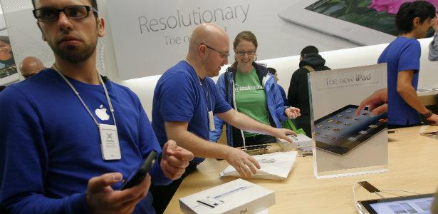 615_Apple_Store_Workers_Reuters.jpg