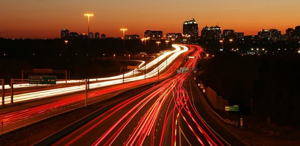 615_Highway_401_by_401_Wikipedia.jpg