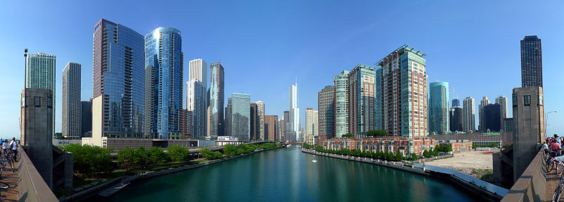 800px-20090524_Buildings_along_Chicago_River_line_the_south_border_of_the_Near_North_Side_and_Streeterville_and_the_north_border_of_Chicago_Loop,_Lakeshore_East_and_Illinois_Center.jpg