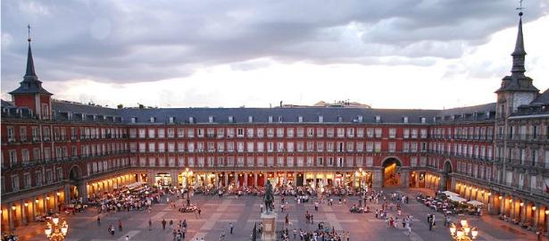 800px-Plaza_Mayor_de_Madrid_06.jpg