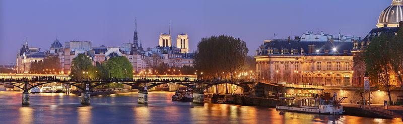 800px-Pont_des_Arts_Wikimedia_Commons.jpg