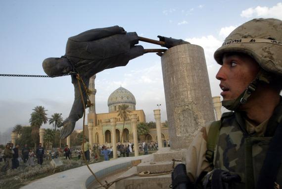 Saddam_Statue_Falls_Reuters.jpg