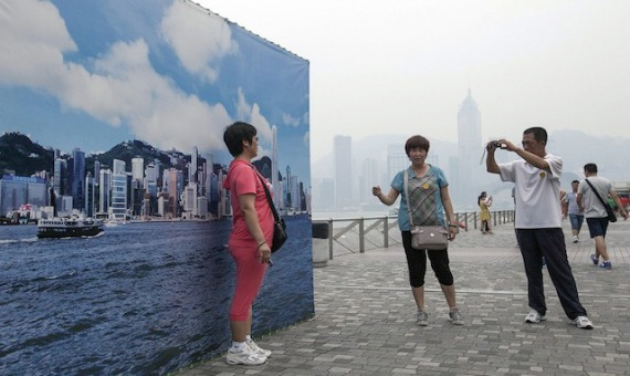 hongkongfakeskylinethree.jpg