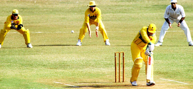 CROPcricket_bombayxi_vs_australia_1996_reuters.jpg
