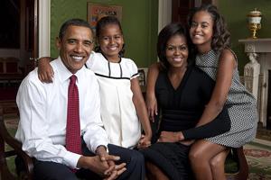 ObamaFamily_post.jpg