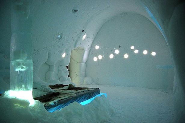 Sziksz-Ice-Hotel1.jpg