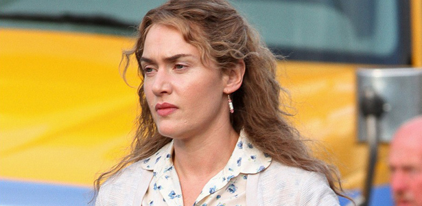 kate-winslet-labor-day-set-with-ned-rocknroll-02.jpg