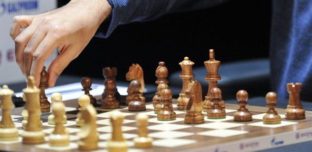 santiago_chess_post.jpg