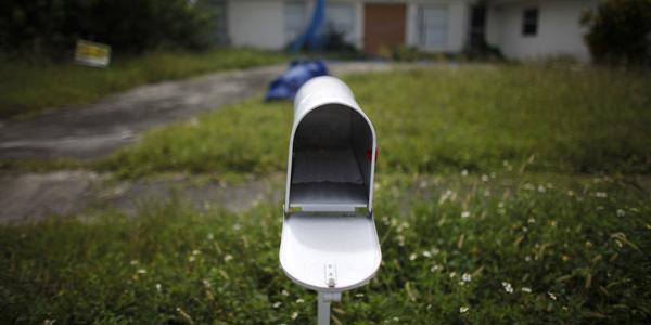 mailbox - Carlos Barria : Reuters - banner.jpg