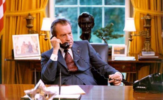 Nixon phone picLEAD.jpg