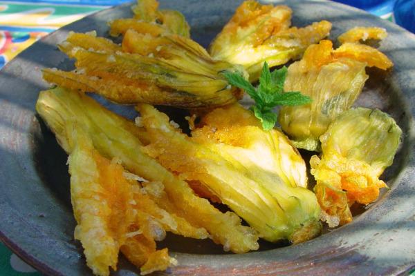 03 Zucchini Blossoms1_slideshow.jpg