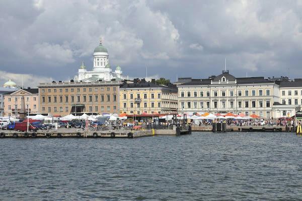 6_Helsinki mrkt-water view.jpg