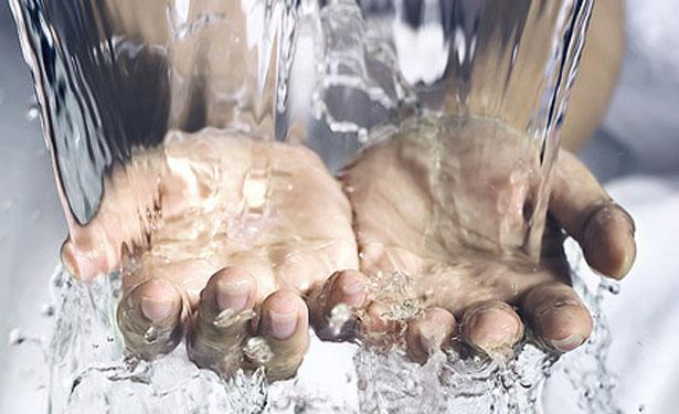 hands-615.jpg