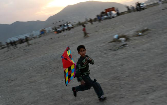 Afghan kite flyer banner.png