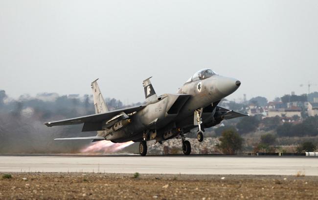 Israeli jet iran banner.jpg