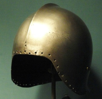 Italian helmet for article.jpg